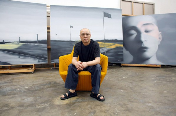 Zhang-Xiaogang-with-his-works