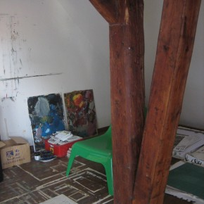 07 His Studio