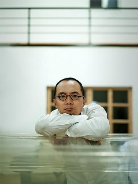 Qu Guangci; Photo by Zhou Shengwu Image Studio