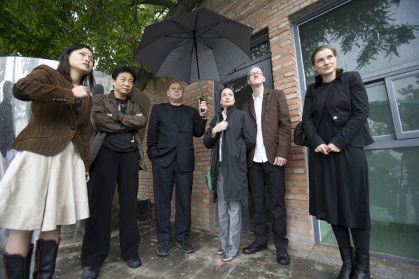 Zhang Zikang( from left, the second one) with International Artists