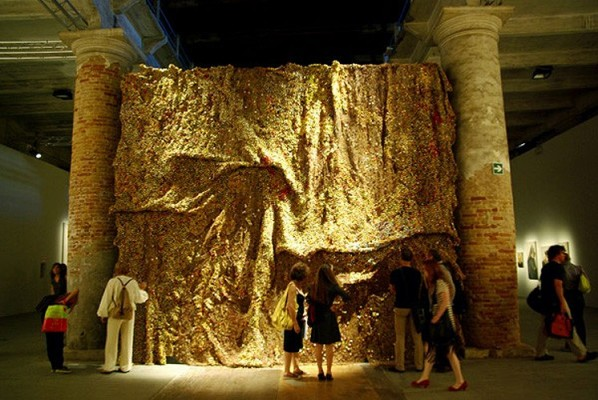 El Anatsui, Dusasa II at the Venice Biennial 2007