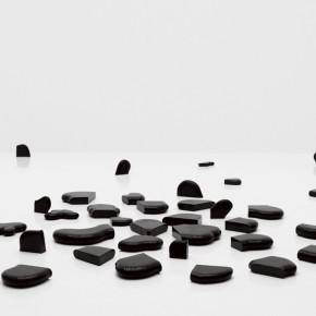 02 Teng Fei-Scattering Jade, 2011-02; granite, diameter:120cm