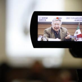 "02 The Press Conference of ""Manuel Felguérez: Recent Works"""