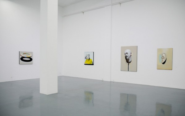 01 The Exhibition View of Groundless