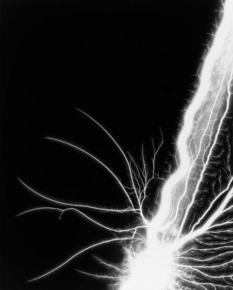 Hiroshi Sugimoto – Lightning Fields 198, 2009 – gelatin silver print – © Hiroshi Sugimoto, Courtesy The Pace Gallery
