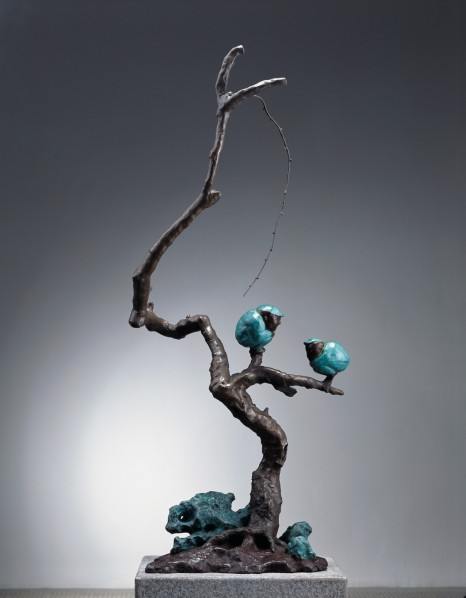 Qu Guangci, Twittering, 2009; Bronze 117x32x52cm