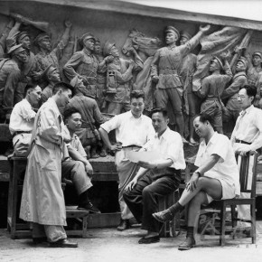 04 Creative staff was discussing the relief of the Monument to the People's Heroes in 1956