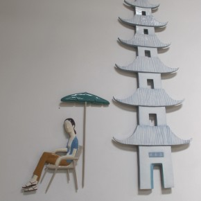 "06 Yu Fan, ""The Leifeng Pagoda and Lily"", 2011; umbrella and people, 108×90×10cm, pagoda, 335×100×5cm"