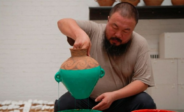 Ai Weiwei, Colored Vases, 2006. (in process) Courtesy of the artist.