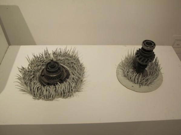 Liu Fang, Organism; metal parts and ceramics, 39×39×20cm
