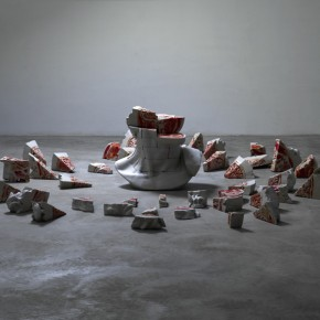 If I Were Resin, Fiber, Acrylic, Composite Materials 117×85×75lcm× 58 2011-2012(4)