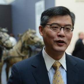 "03 Jay Xu director of the Asian Art Museum discusses the exhibit 290x290 - Asian Art Museum celebrates its 10th anniversary with exhibition ""China's Terracotta Warriors: The First Emperor's Legacy"""