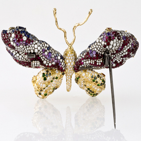"Cindy Chao's jewelry ""Royal Butterfly Brooch"" becomes the first Taiwanese-designed collection of Smithsonian Gem Hall"