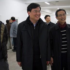 01 Gao Hong, Secretary of the party committee visited Wu Jiang's Woodcut
