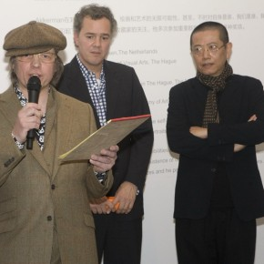 "04 Artist Philip Akkerman spoke at the opening ceremony 290x290 - ""Face2Face: Portraits and Interiors"" Sino-Dutch Group Exhibition opened at Today Art Museum in Beijing"