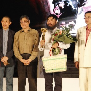 02 View of the 7th Award of Art China · Annual Influential 2012 Ceremony – Li Jin, winner of the Ink and Wash Award