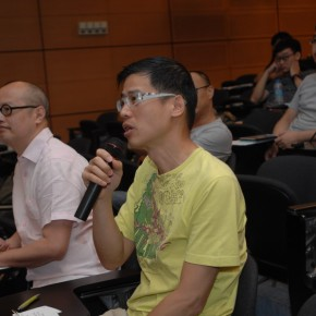 Kacey Wong questioned in the discussion while Chan Yuk sitting next to him 290x290 - Crossroads · Another Dimension: A Cross-Strait Four-Regions Artistic Exchange Project 2013