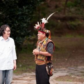 "July 8 2013 Xu Bing talked with Mr. Pan Township Head of Sandimen Pingdong County in Taiwan  290x290 - Xu Bing's ""Forest Project: Taiwan"" the recently initiated public welfare Art Project"