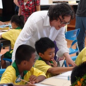 """July 8 2013 Xu Bing told indigenous children how trees on paintings turned into real ones 290x290 - Xu Bing's """"Forest Project: Taiwan"""" the recently initiated public welfare Art Project"""