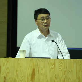"Ye Yu-Sun lectured on ""The Art and Life of Feng Zikai"""