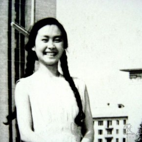 09 Feng Zhen was photographed in the Moscow State University in 1958