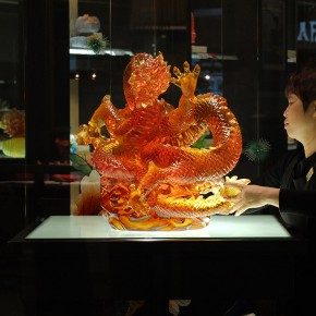Wang Chuan Gathering Prosperity 01 40x30cm 290x290 - Wang Chuan: Colorful Solo Exhibit at Pékin Fine Arts Beijing