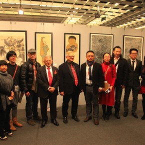Group Photo of Pasquale President of the Florence Biennale and Chinese artists 290x290 - The New Florence Biennale 2013 - IX Edition