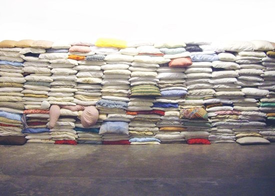 The Wall, 2008, Size variable (Courtesy of Ringo Bunoan and Osage Gallery)