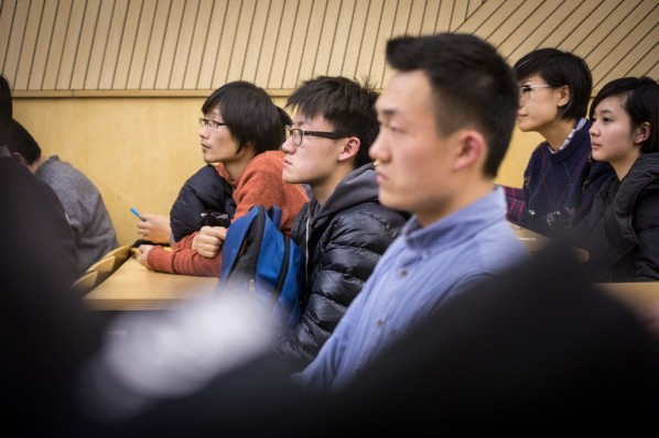 "View of the lecture ""Wang Chuan 'Adapting' – Changing Photographic Medium""05"
