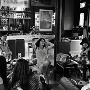 Zhang Jun, White Night Bar in Chengdu; 51×76cm,2013.5.26 17:58