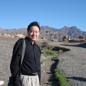 01 Shen Xinggong went to Xinjiang to sketch 290x290 - Emotion and Personality: Shen Xinggong Talked About the Creation and Teaching of Oil Painting