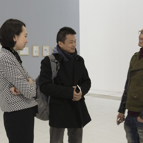 """Wang Yifei General Manager of Linda Gallery Beijing left collector Mr. Ouyang middle artist Chen Yujun right 290x290 - The Being of Non-Being: A Kind of Personal Expression on """"Meta-Painting"""" Presented at Linda Gallery"""