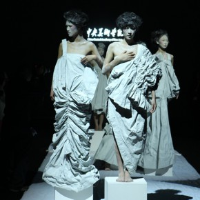 02 Work by graduate of master Zhang Xifei 290x290 - Fashion Show of the Graduates of Fashion Design Major of CAFA