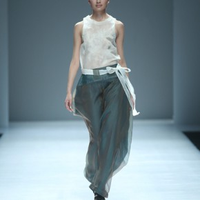 03 Work by graduate of master Yang Xiaohan 290x290 - Fashion Show of the Graduates of Fashion Design Major of CAFA
