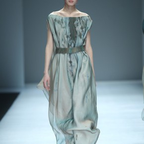 04 Work by graduate of master Yang Xiaohan 290x290 - Fashion Show of the Graduates of Fashion Design Major of CAFA