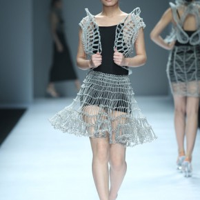 08 Work by graduate of master Chen Mo 290x290 - Fashion Show of the Graduates of Fashion Design Major of CAFA