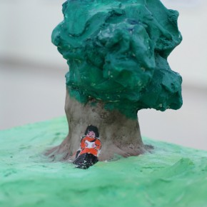 """139 Wu Yi """"A Female Leader of Guerrillas Reading under a Tree in the Morning"""" sculpture 2007  290x290 - Wu Yi"""