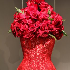 "01 Lyu Yue ""Red Woman"" No.2 November 21 2013 Silk satin brocade nylon organza fresh roses Variable 290x290 - Lyu Yue (Aluna)"