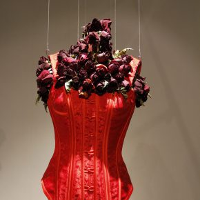 "04 Lyu Yue ""Red Woman"" No.8 December 12 2013 Silk satin brocade nylon organza fresh roses Variable 290x290 - Lyu Yue (Aluna)"