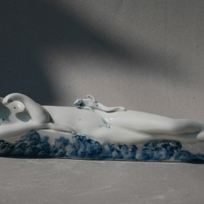 "18 Geng Xue ""Untitled"" porcelain long 35 cm 2007 290x290 - ""Mr. Sea"" – Geng Xue's Solo Exhibition Opened at Zero Art Center"