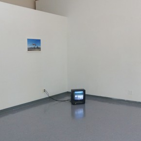 """4.Somewhere Else Installation View A Cloud on Manhattan Sky by Pan Ge and Chop by Zhe Zhu Photo by Pan Ge    290x290 - Group show of """"Somewhere Else"""" Exhibiting at Dekalb Gallery, Pratt Institute"""