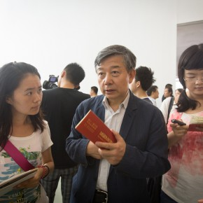07 Wu Changjiang was interviewed by journalists
