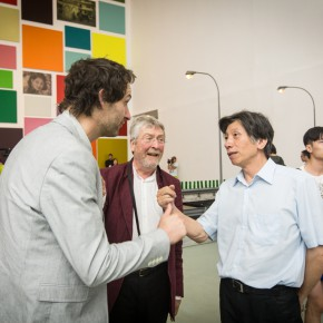 09 Fan Di'an communicated with guests 290x290 - The Section of Experimental Art at the 12th National Art Exhibition Unveiled as it initially enters the system