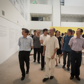 12 Honored guests visit the exhibition 290x290 - Ten Years in One Inspection – CAFA Achievements Exhibition on Experimental Art at CAFAM