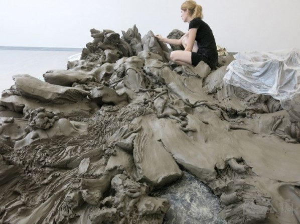 Julia Steiner was preparing for her solo show 02