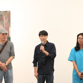 04 From left to right Associate Professor Li Fan from the Department of Printmaking CAFA artist Xu Hongxiang curator Ivy Peng 290x290 - Xu Hongxiang's Solo Exhibition – The Sixth Round of 1 in 100 Art Nova Solo Exhibition Series Opened at SZ Art Center