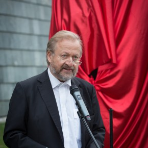"08 Artist Bjørn Nørgaard addressing the donation ceremony of the work 290x290 - ""Bjørn Nørgaard: Re-modelling the World – again again again"" opened at CAFAM and CAFA received a Poetic Sculpture"