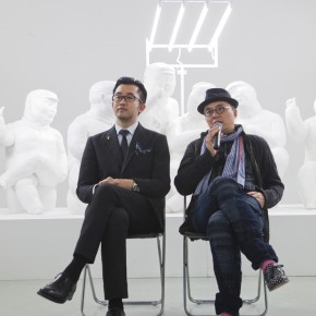 01 Gao Peng Director of Today Art Museumthe left and artist Qu Guangcithe right 290x290 - Qu Guangci Solo Exhibition: Northernmost Country Unveiled at Today Art Museum