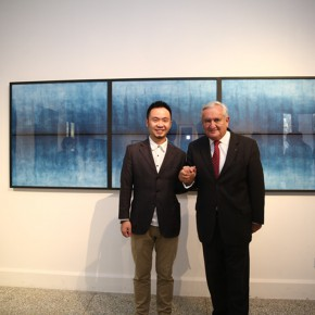 "02 Photo of artist Peng Yong and former Prime Minister of France Jean Pierre Raffarin 290x290 - YISHU 8 China Award in the 2nd Round – Peng Yong's Solo Exhibition ""The Blues"" opened"