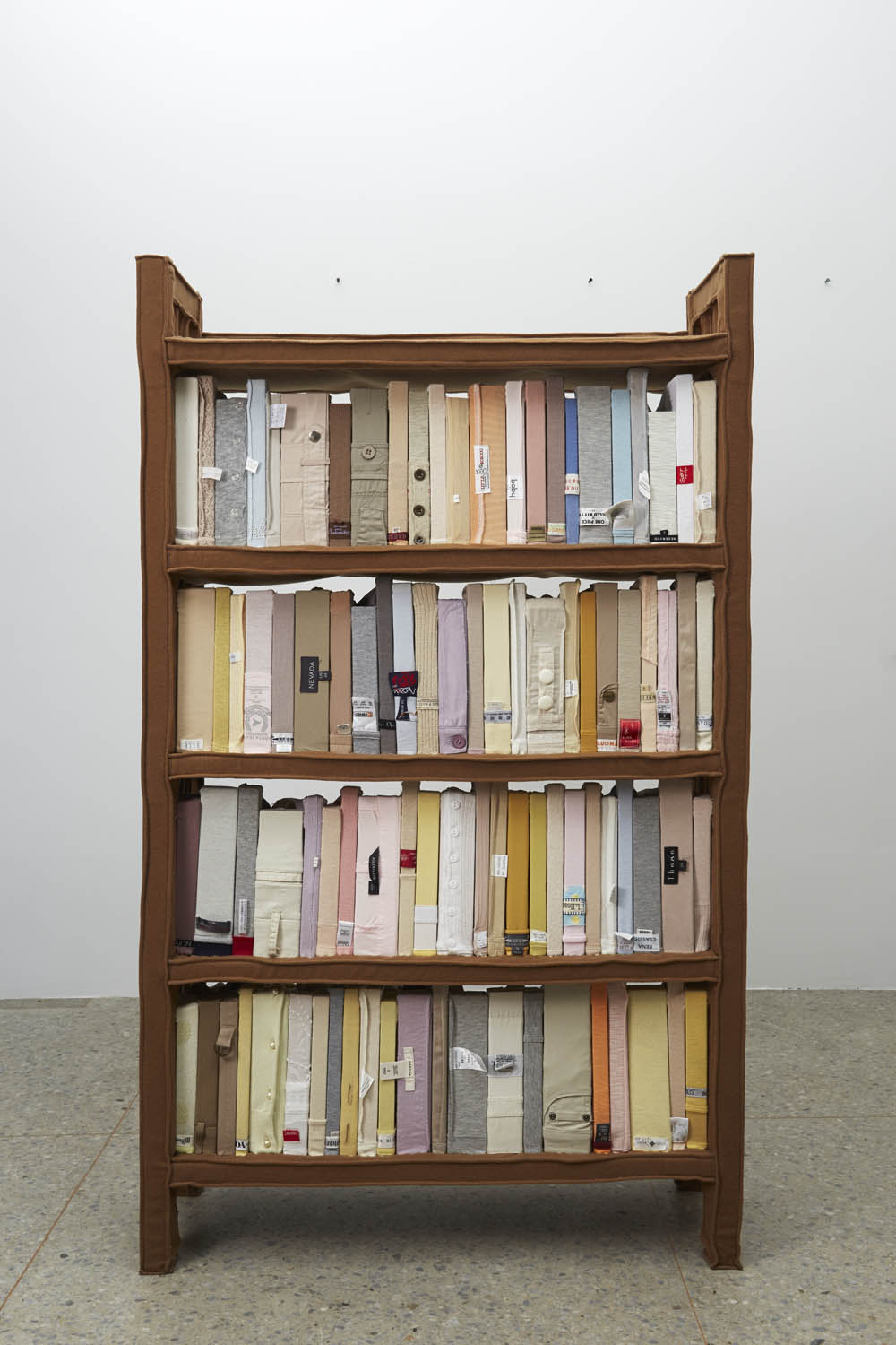 03 Bookshelf No 22 2009 Clothes Wood 137 X80x30cm Front